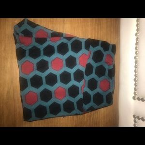 LuLaRoe Tall & Curvy hexagon leggings